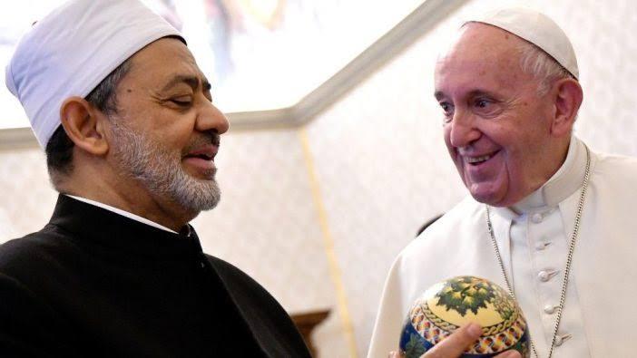 Syekh Al-Azhar dan Paus Vatikan Kecam Bom Gereja Makassar
