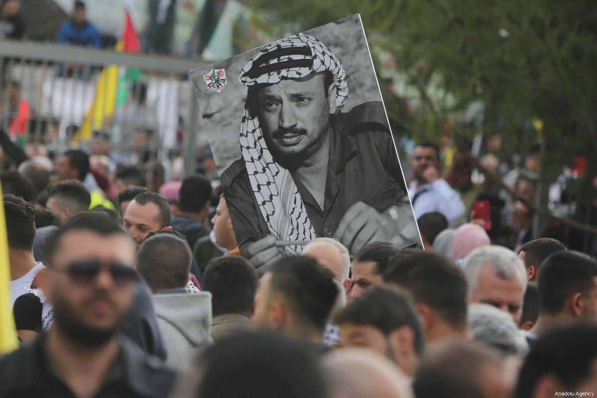 16 Tahun Berlalu, Penyebab Kematian Yaser Arafat Belum Terungkap