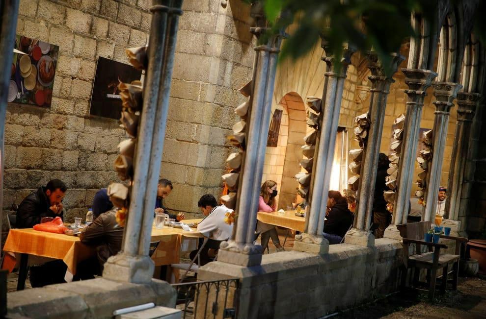 Gereja di Barcelona Tawarkan Serambi Buka Puasa bagi Tunawisma Muslim